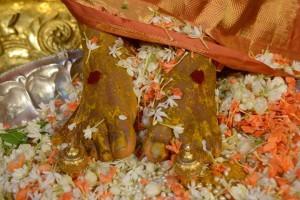 divine_feet